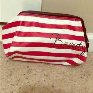 5/ $25 Beauty bag